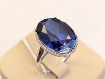 Золотое кольцо с иск. сапфиром и бриллиантами