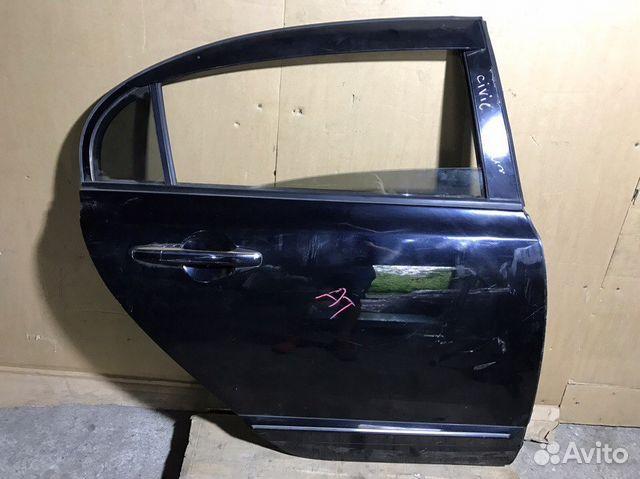 Honda Civic 8 4D дверь задняя правая
