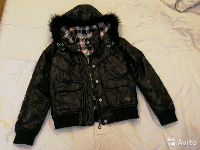 Зимняя короткая куртка Roxy б у купить в Ленинградской области на ... e7a8efd0e35